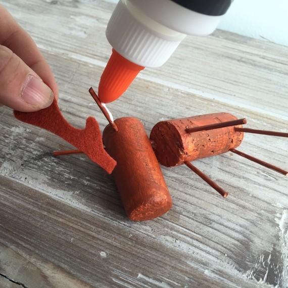 glue-antlers-1015.JPG (skyword:189936)