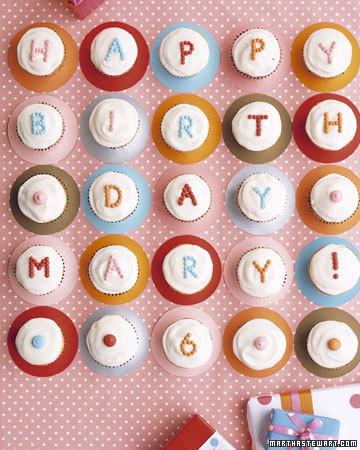 polkadot_cupcakes.jpg