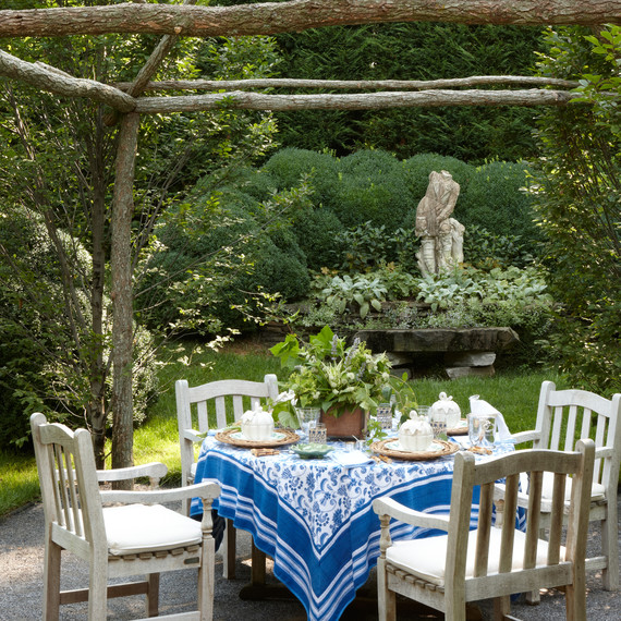 table-with-gazebo.jpg