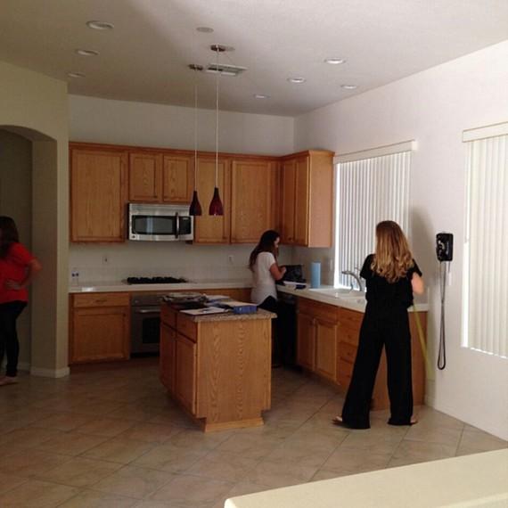 dark-kitchen-04.16.jpg (skyword:263359)