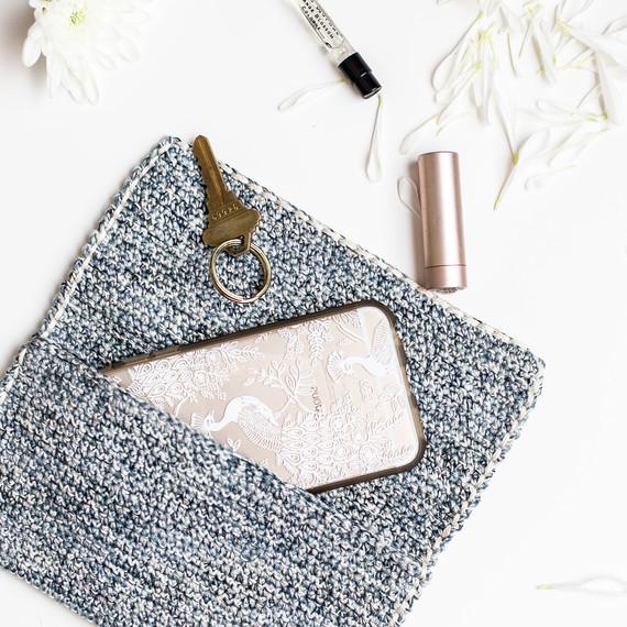 crochet-clutch-7186.jpg (skyword:307306)