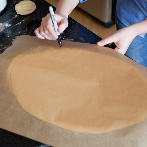 Create a guide for rolling top crust