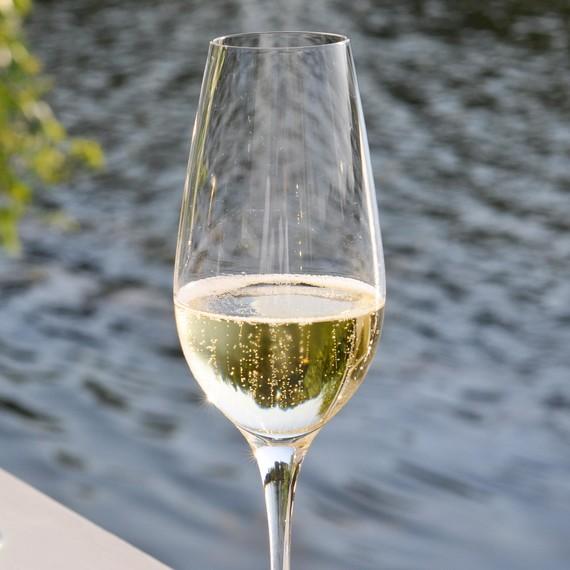 sparkling-wine-0215