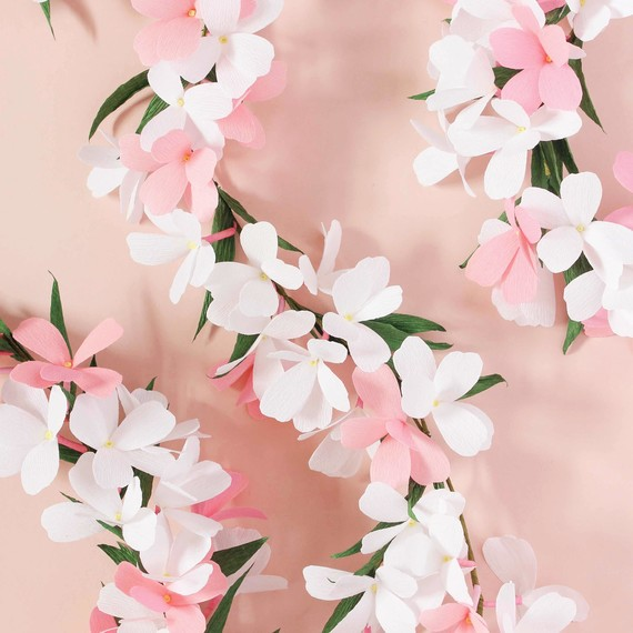 paper-flower-garland.jpg