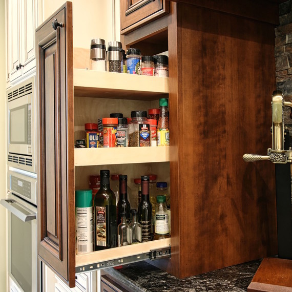 pull-out-pantry-1016.jpg (skyword:353051)