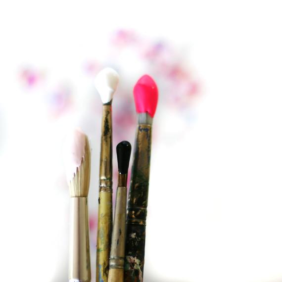 DIY-paint-brush-10-15.jpg (skyword:192697)
