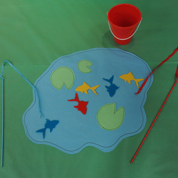 Host a dr seuss kids 39 birthday party martha stewart for Go fish games