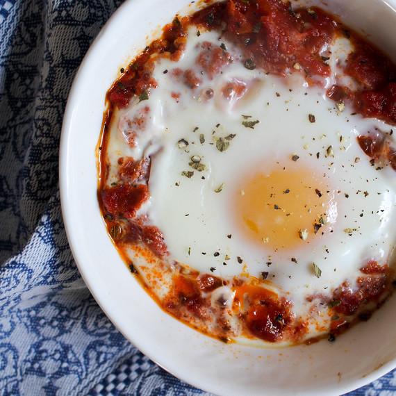 juliachild_dinner_egg_0816.jpg (skyword:312452)