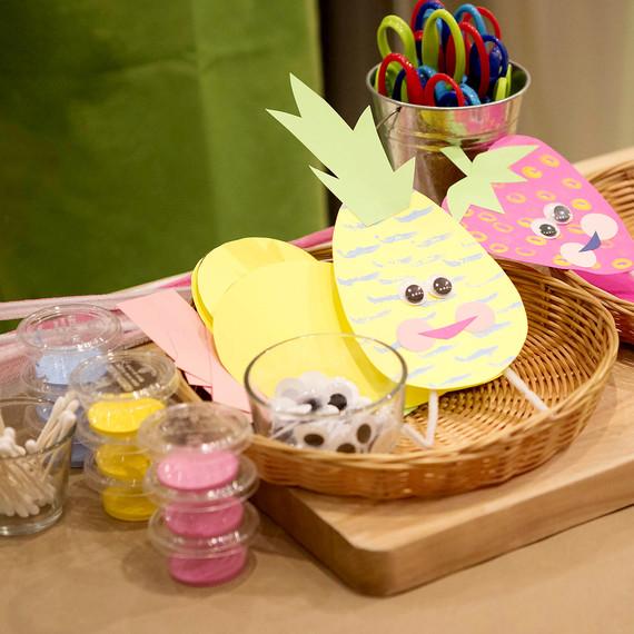 kids-crafts-play-0216.jpg (skyword:226679)