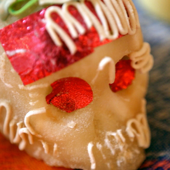 pink-sugar-skulls-day-of-the-dead-0914.jpg