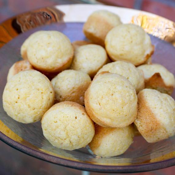 cornbread-muffins-1116.jpg (skyword:364490)