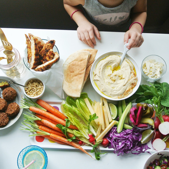 hummus-kids-fresh-0116.jpg (skyword:223268)
