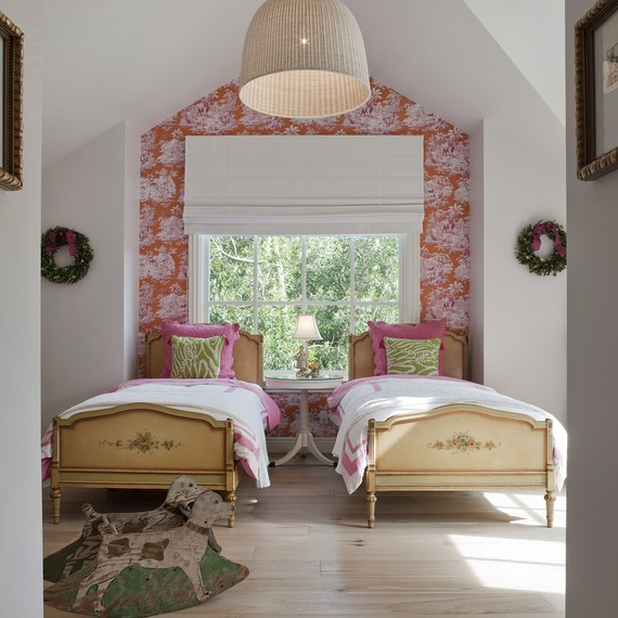wallpaper-onewall-0516.jpg (skyword:269825)