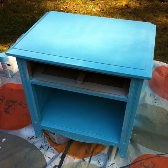 spray paint bedside table aqua