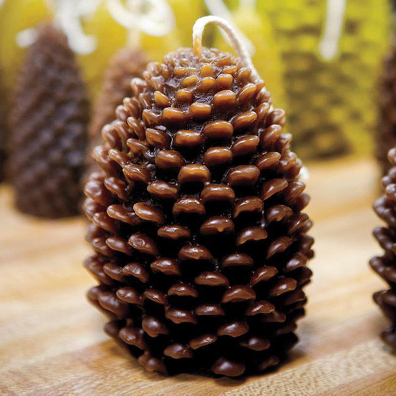 Beeman Pine Cone Candle