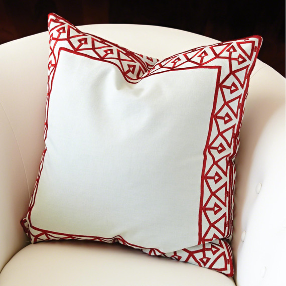 bezel-border-pillow-0415.jpg