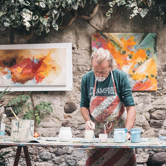 professional-painter-0416.jpg (skyword:251213)