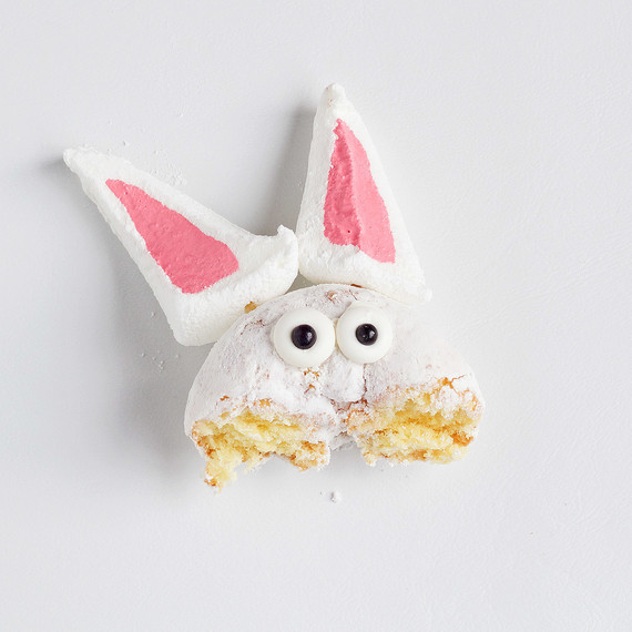 simple-cupcake-bunny-0116.jpg (skyword:220621)