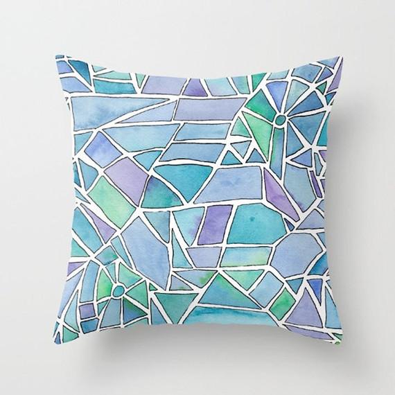stained-glass-pillow-0516.jpg (skyword:273516)