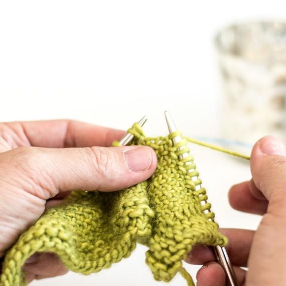 1-knit-linen-stitch-0815-8.jpg (skyword:188188)