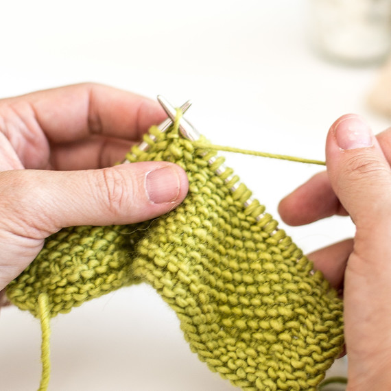9-knit-linen-stitch-0815-8.jpg (skyword:188198)