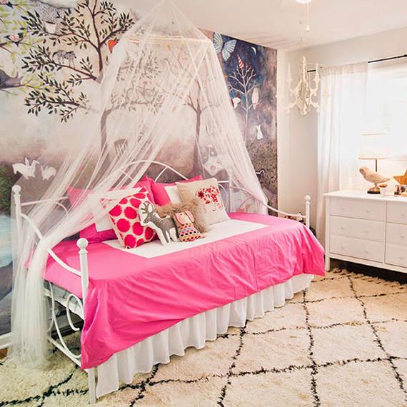kylie-room-makeover-4-0915.jpg (skyword:185894)