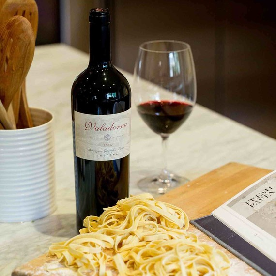 valadorna-wine-bottle-0716.jpg (skyword:305545)