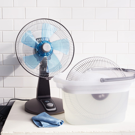 fan-soapy-water-043-d111805.jpg