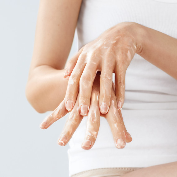 moisturizer-arm-145-d112034.jpg
