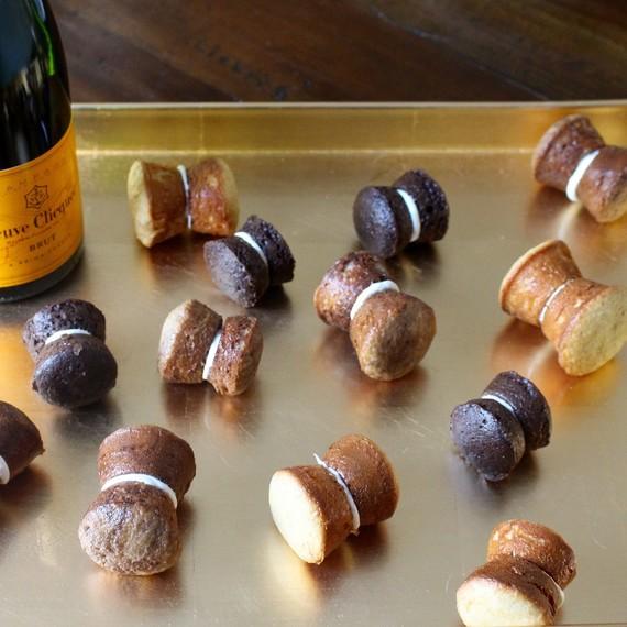 champagne-cupcake-corks-0216.jpg (skyword:234401)