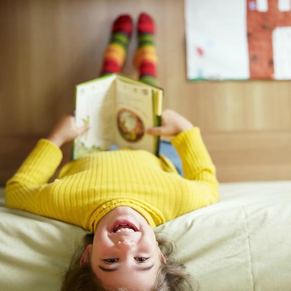 childrens-reading-nook1-0316.jpg (skyword:241316)