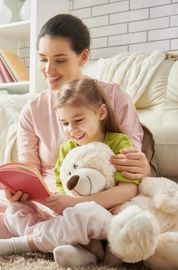 childrens-reading-nook3-0316.jpg (skyword:241317)