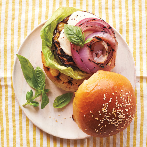 eggplant-burger-024-ld111042.jpg