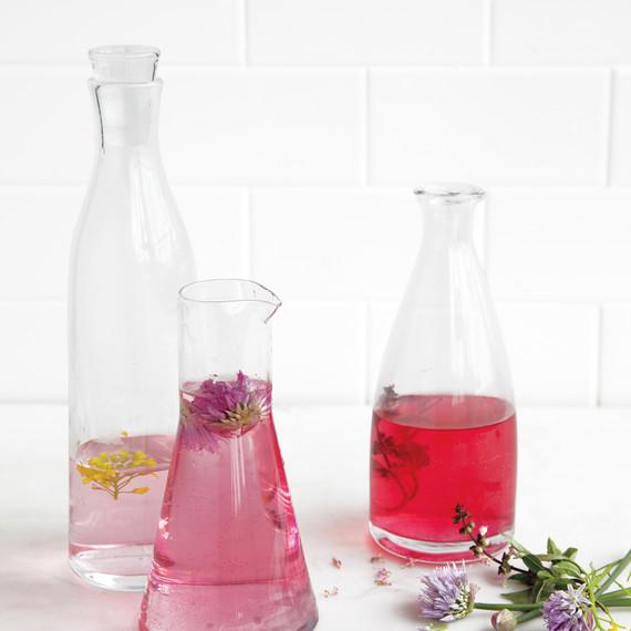 infused-vinegar-md110410-003.jpg