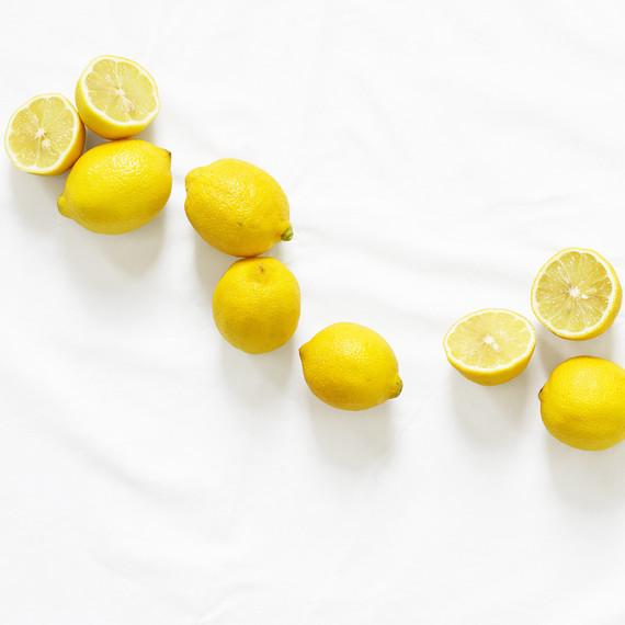 lemons-white-background-0416.jpg (skyword:251155)