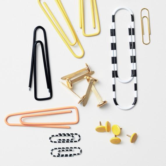 paperclips-tacks-047-d112125.jpg