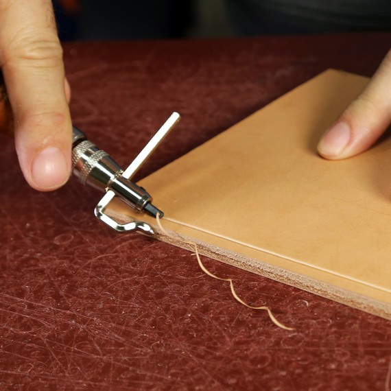 Using A Leather Stitching Groover