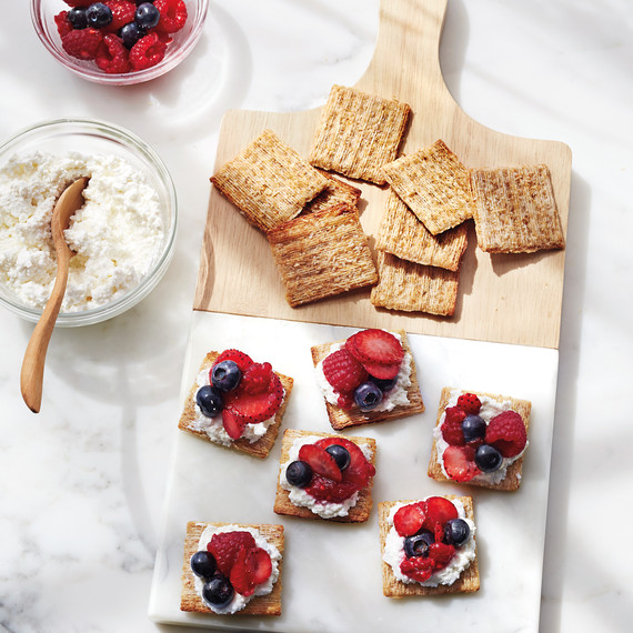 triscuits-berries-098-d112043.jpg