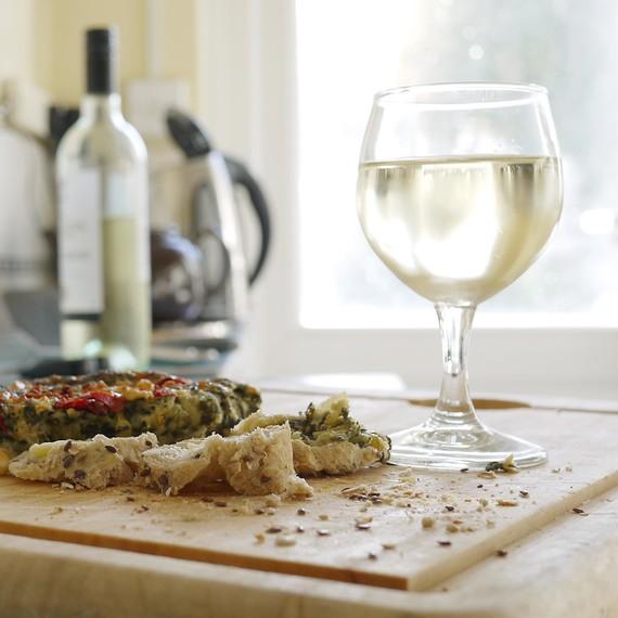white-wine-glass-kitchen-0615