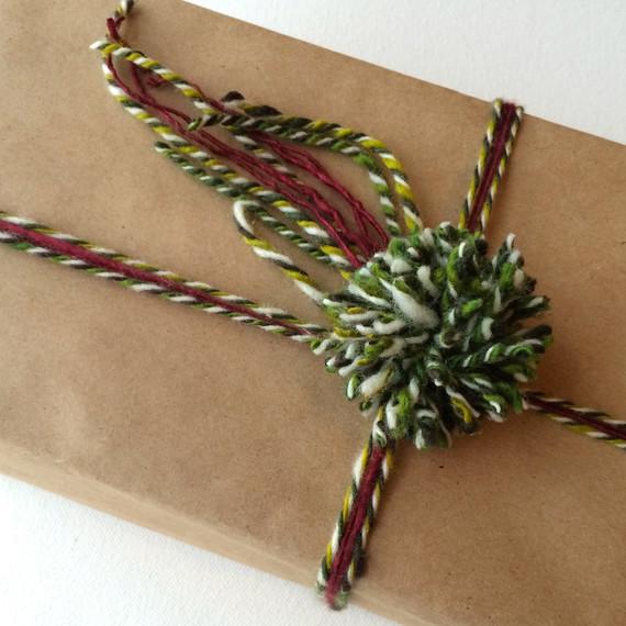 yarn-wrapped-gift-pompom-1214.jpg