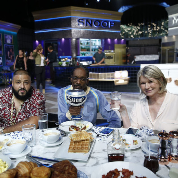 martha-snoop-potluck-dinner-party-episode-104-0916