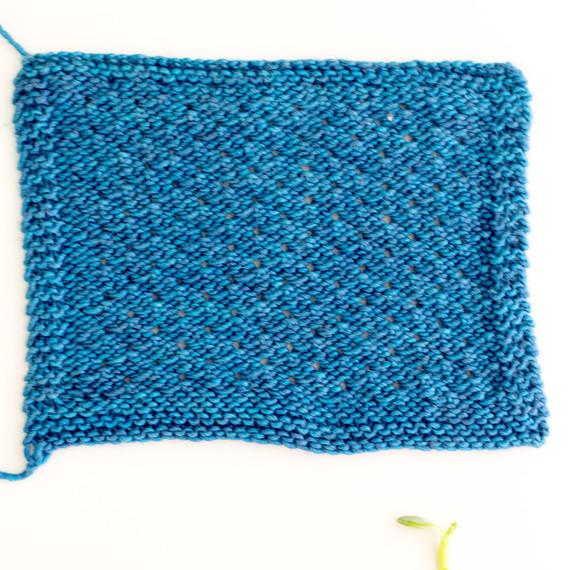 diagonal-scallop-stitch-0815-3.jpg (skyword:188210)