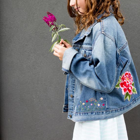 embroidered-jean-jacket-9358-2.jpg (skyword:334793)