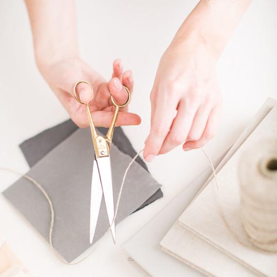 scissors-simone-leblanc-collin.jpg (skyword:206096)