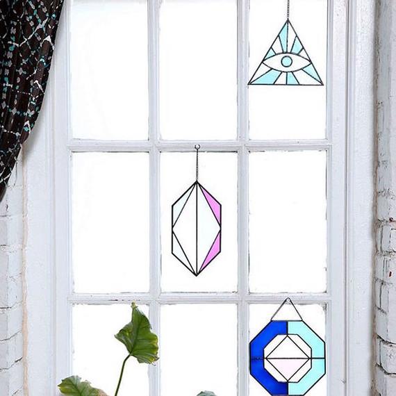 stained-glass-suncatchers-0516.jpg (skyword:273514)