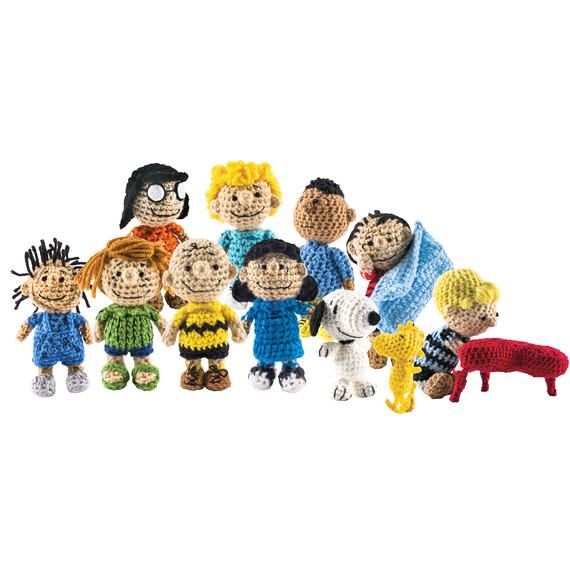 peanuts-crochet-characters-1115.jpg