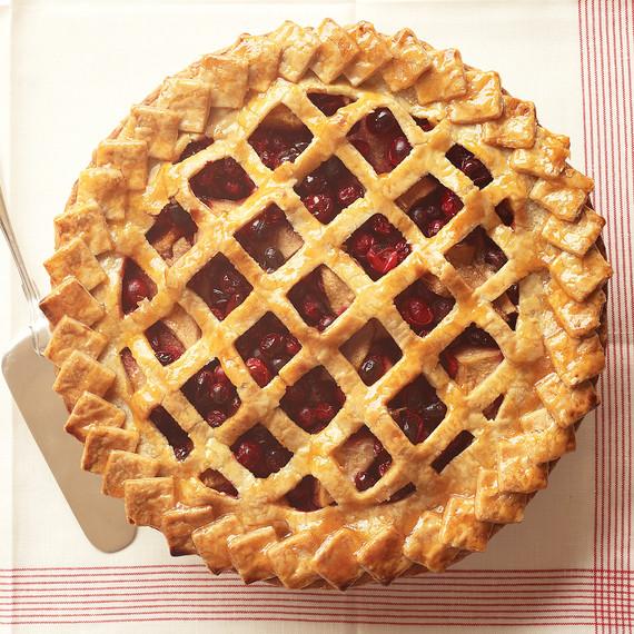 pear-cranberry-pie-faux-lattice.jpg