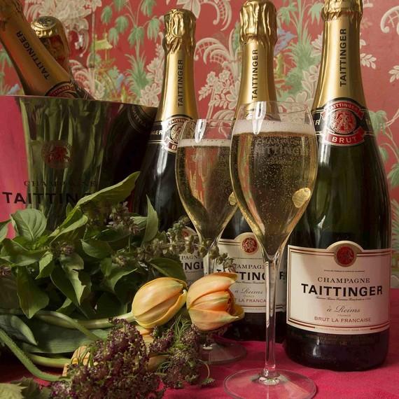 taittinger-holiday-bottles-1215.jpg (skyword:211413)