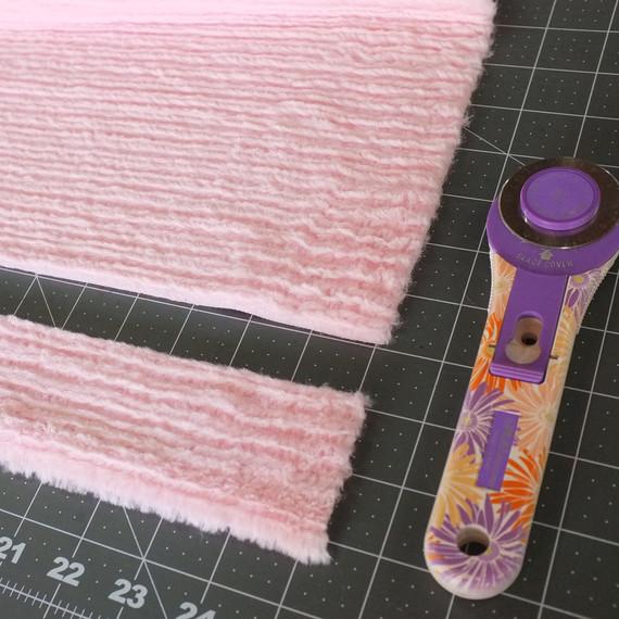 embellishedearmuffs-step1-102016.jpg (skyword:346768)