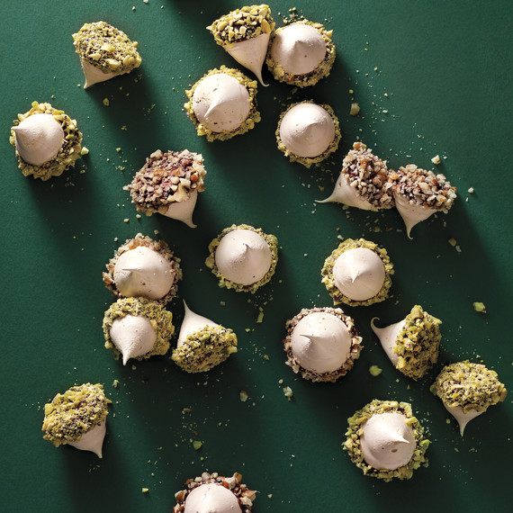meringue-acorns-001-hl-mld110178.jpg